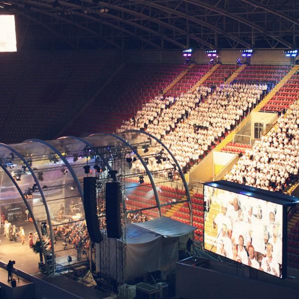 Chor im Stadion Dresden