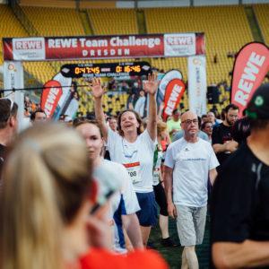Rewe Team Challange - Lauf am 08.06.2016 im DD+V - Stadion in Dresden.  Foto: Oliver Killig