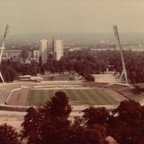 27 - 1969 Rudolf-Harbig-Stadion mir der neuen Flutlichtanlage