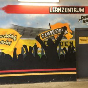 Eingang Lernzentrum